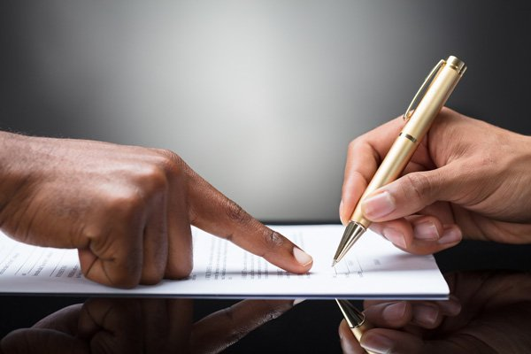 Signing a loan contract